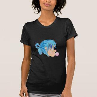 Camiseta Adolescente fundindo uma bolha com goma