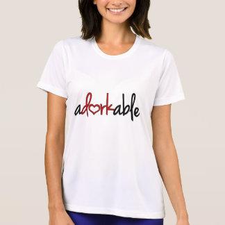 Camiseta Adorkable com um coração
