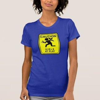 Camiseta Advirta meninas no jogo - funcionando com tesouras