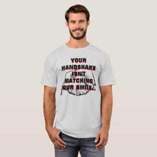 Camiseta Agitações falsificadas da mão