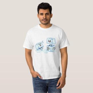 Camiseta água gelada do cubo dos cubos de gelo que desliza