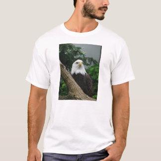 Camiseta águia americana magestic que descansa na árvore