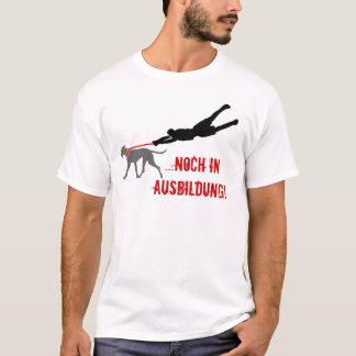 Camiseta … aínda em instrução!