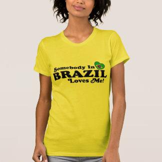 Camiseta Alguém em Brasil ama-me