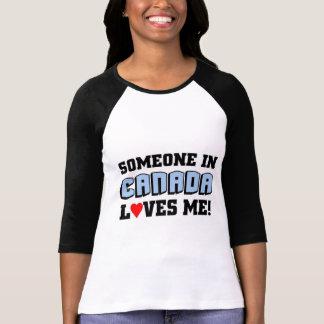 Camiseta Alguém em Canadá ama-me