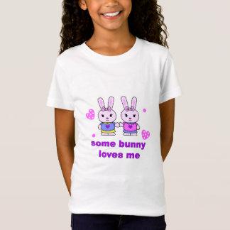 Camiseta algum coelho ama-me branco
