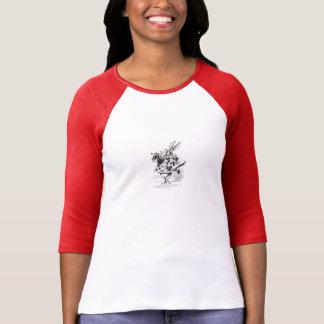 Camiseta Alice no t-shirt branco do coelho do país das