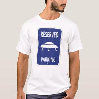 Camiseta Alienígena - t-shirt reservado do estacionamento