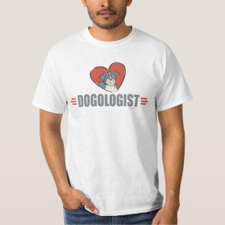 Camiseta Amantes e coração engraçados do cão