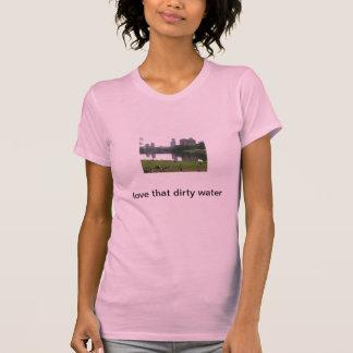 Camiseta ame esse t-shirt sujo da água