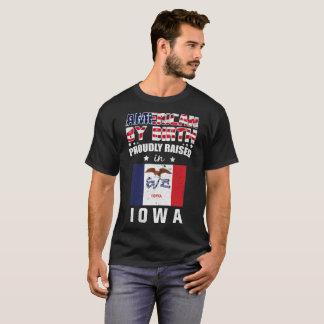 Camiseta Americano pelo nascimento levantado orgulhosa na