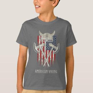 Camiseta Americano Viking. Bandeira, afligida, capacete,