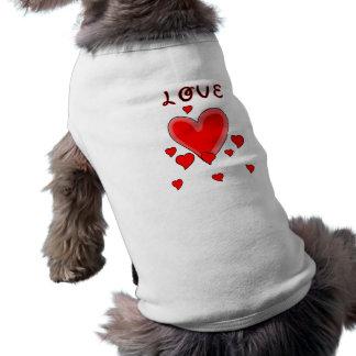 Camiseta Amor sobre corações