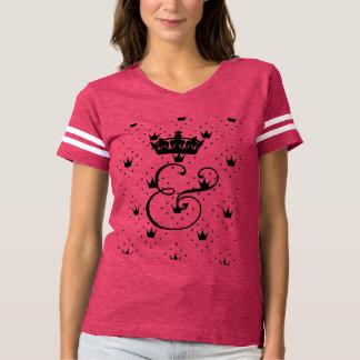 Camiseta Ampersand com o t-shirt do time do colégio da