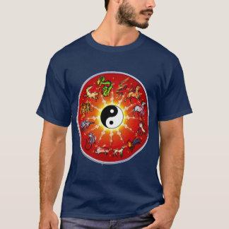 Camiseta Animal chinês do zodíaco em esboços pretos
