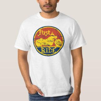 Camiseta Apenas o valor dos homens do passeio fixou o preço