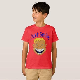Camiseta Apenas sorriso, cara do menino