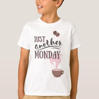 Camiseta Apenas um outro roupa de segunda-feira