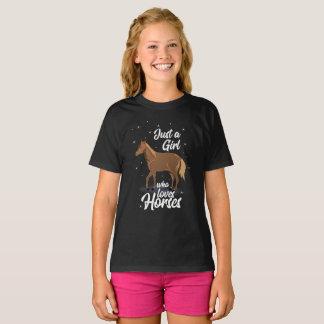 Camiseta Apenas uma menina que ame o amante gráfico do