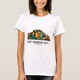 Camiseta Apenas Vegging para fora… (Humor do vegetariano)