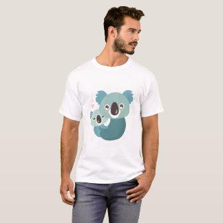 Camiseta Aperto doce da mãe e do bebê do koala dos desenhos