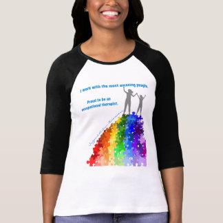 Camiseta Apoio do autismo que escala alturas novas mulher &
