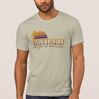 Camiseta aposentado veja-o na praia