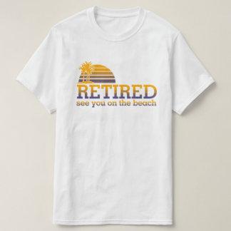 Camiseta Aposentado veja-o no t-shirt da praia