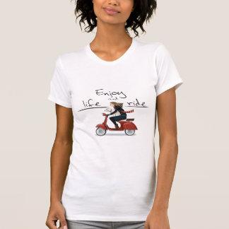 Camiseta Aprecie a vida e monte o t-shirt do vespa
