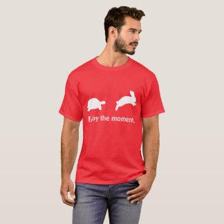 Camiseta Aprecie o momento. Edição vermelha