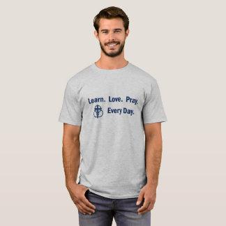 Camiseta Aprenda que o amor Pray - o t-shirt dos homens