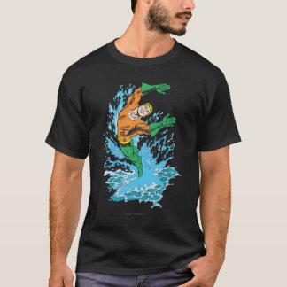 Camiseta Aquaman pula na onda
