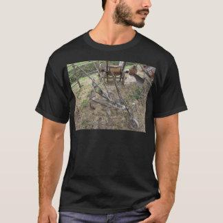 Camiseta Arado velho do ferro e outras ferramentas