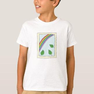 Camiseta arco-íris através do t-shirt da janela para miúdos