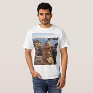 Camiseta arquivo de pedra surpreendente pelo mar