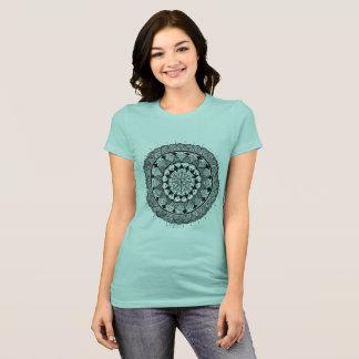 Camiseta arte da mandala - a arte nova