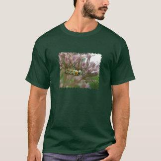 Camiseta Artigos da traça de Webworm do Ailanthus