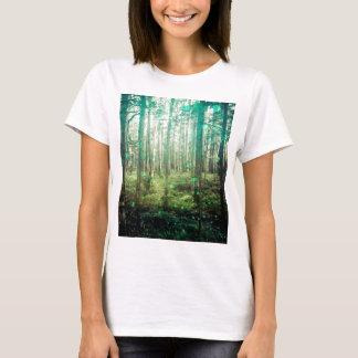 Camiseta Árvores de floresta - no teste padrão das madeiras