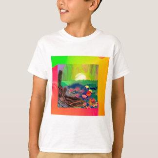 Camiseta As bolas de tênis apareceram entre lírios na lagoa