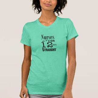 Camiseta As enfermeiras fazem-no 12 horas reto! - Texto