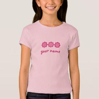 Camiseta As flores cor-de-rosa bonito personalizaram o nome