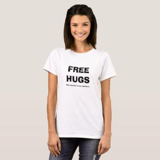 Camiseta As mulheres livram abraços exceto o t-shirt dos