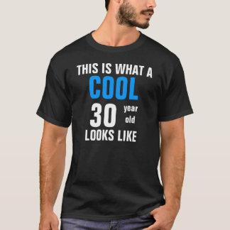 Camiseta As pessoas de 30 anos legal olham o gosto
