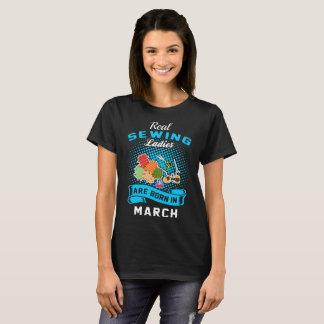 Camiseta As senhoras Sewing reais são em março Tshirt