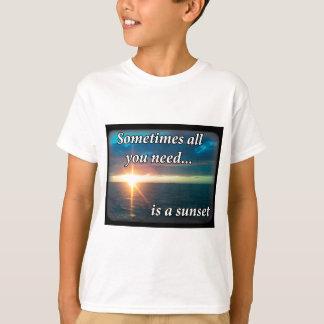 Camiseta Às vezes tudo que você precisa é um por do sol
