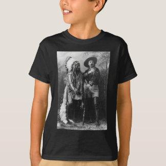 Camiseta Assento Bull e retrato de Buffalo Bill desde 1885