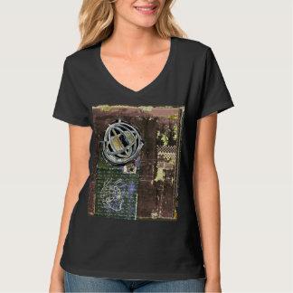 """Camiseta """"Astrolabe 22"""" t-shirt Nano do V-Pescoço do Hanes"""