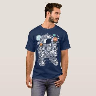 Camiseta Astronauta que come o sorvete planetário no espaço