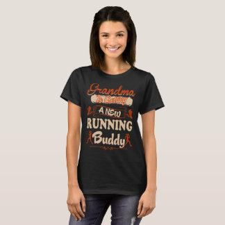 Camiseta Avó que consegue o amigo Running novo carregar