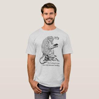 Camiseta Babuíno que espreita em animais selvagens